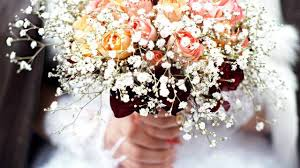 Finding cheap wedding flowers
