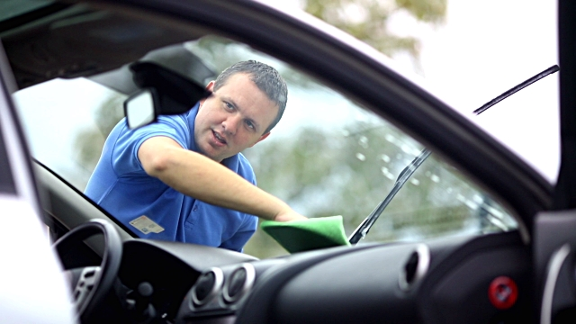Mistakes to avoid before purchasing glass tint for car and home