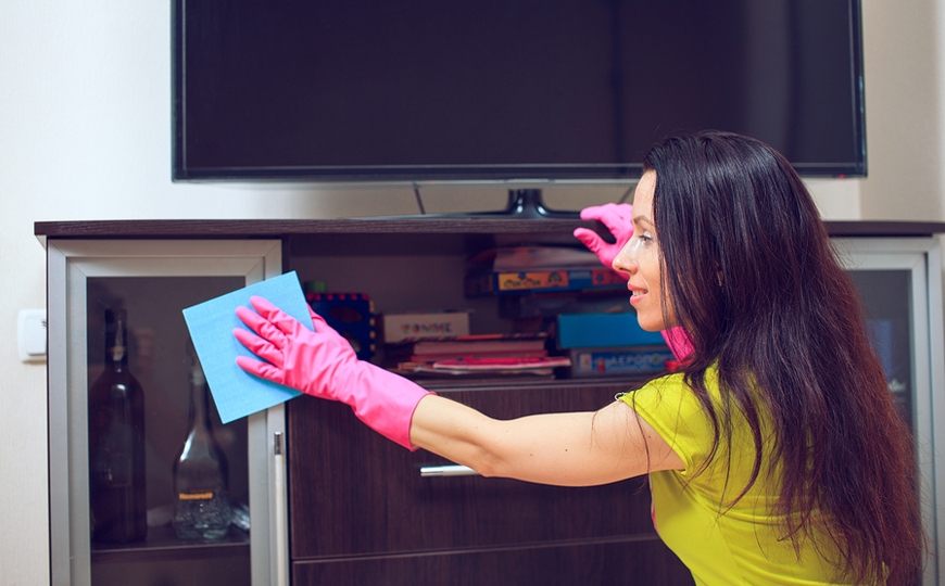 Why is it hard to hire a maid in Dubai?